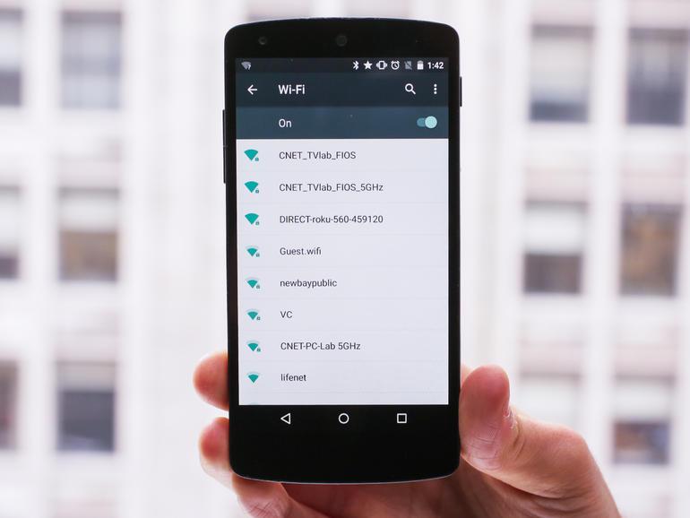 دستگاه در حال حاضر قادر است که اتصال های Wi-Fi را که محدود (limited) بوده و یا به اینترنت دسترسی نداشته اند را به خاطر سپرده و در آینده به طور خودکار به آن ها متصل نشود. این می تواند زمانی که شما از شبکه بدون سیم (Wireless) در هتل ها و رستوران هایی که سرعتِ کمی دارند، در حال استفاده اید، مفید باشد.