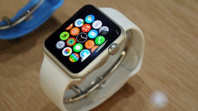 بالاخره زمان عرضه اپل واچ رسید که به طور رسمی برای ۲۴ آوریل برنامه ریزی شده بود و پیش فروش نیز دو هفته پیش شروع شده بود. شما نیز هم اکنون می توانید در یک زمان ۱۵ دقیقه ای در یک اپل استور آن را امتحان کنید