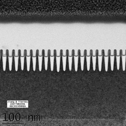 IBM از تراشه ی نازک ۷ نانو متری آزمایشی خود پرده برداری کرد