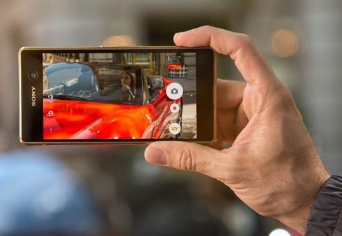 "Xperia M5 گوشی ""فوق میان رده"" با فوکوس خودکار ترکیبی ۰٫۲۵ ثانیهای"