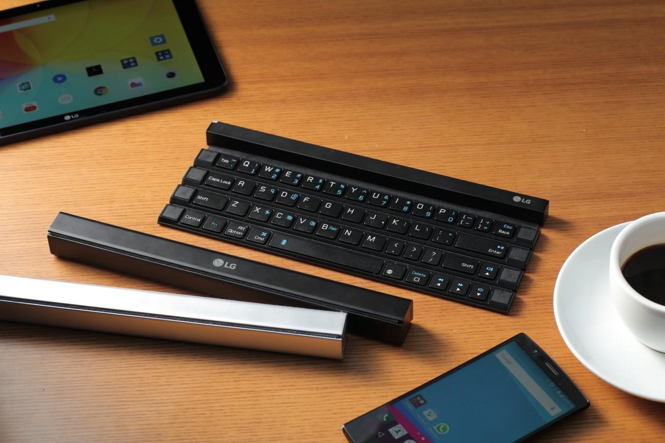 LG Rolly اولین صفحه کلید قابل رول شدن در جهان، برای گوشی های هوشمند و تبلت ها می باشد