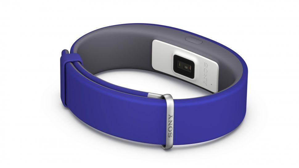 دستبند هوشمند جدید سونی (SmartBand 2) ضربان قلب و توییت های شما را پیگیری می کند