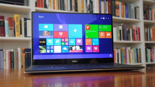 بهترین اولترابوک: (Dell XPS 13 (2015  مشخصات  سی پی یو: اینتل Core i5-5200 | گرافیک: اینتل HD Graphics 5500 | رم: 8 گیگابایت | صفحه نمایش: 13.3 اینچ، UltraSharp QHD+ touchdisplay با رزولوشن 3200 x 1800 | حافظه ذخیره سازی: 256 گیگابایت SSD | قابلیت اتصال: 802.11 AC و بلوتوث 4.0 | دوربین: 720p | وزن: 1.27 کیلوگرم | ابعاد: 11.98 x 7.88 x 0.6 اینچ