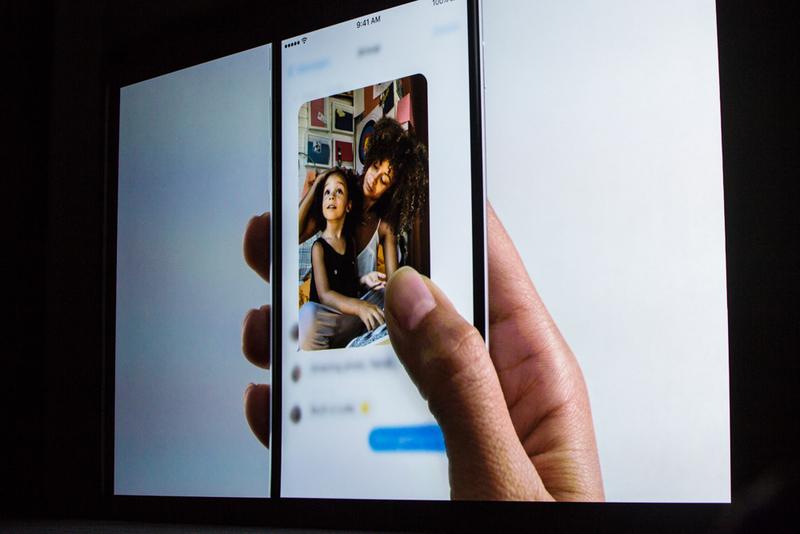 """""""این امر توسط تکنولوژی ای که آن را 3D Touch می نامیم میسر شده است. این نسل جدید مالتی تاچ خواهد بود. برای اولین بار در کنار تشخیص حرکاتی و تعاملی که با آن آشنایی داریم، حال فشار نیز تشخیص داده می شود."""""""