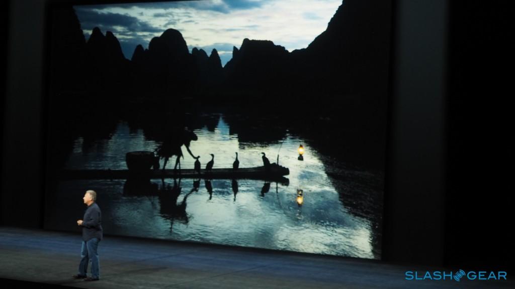 یکی از این تصاویر که یک رودخانه را نشان می دهد، از داخل یک هواپیما گرفته شده و می بینیم که به صورت حیرت انگیزی جزئیات را نشان می دهد.