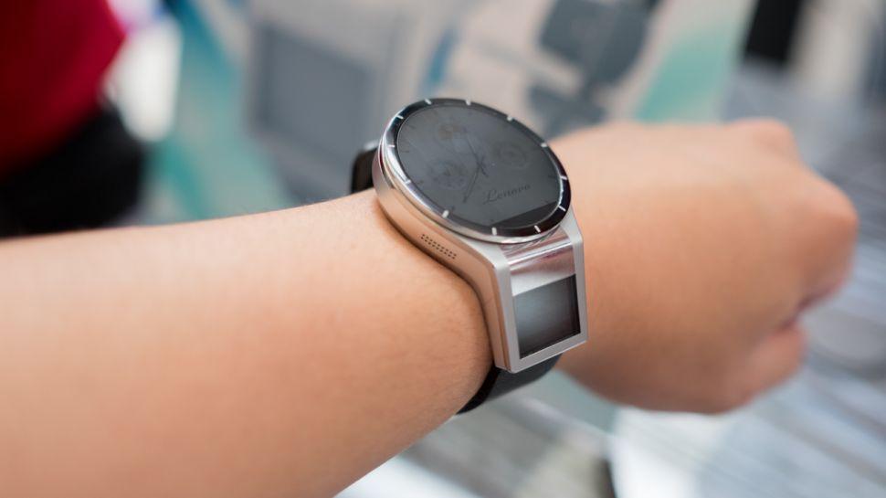 ساعت هوشمند شما می تواند به هکر ها بگوید که شما چه چیزی تایپ می کنید