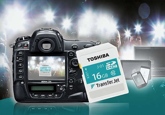 توشیبا از کارت رسانه ی ۱۶ گیگا بایتی SDHC TransferJet پرده برداری کرد