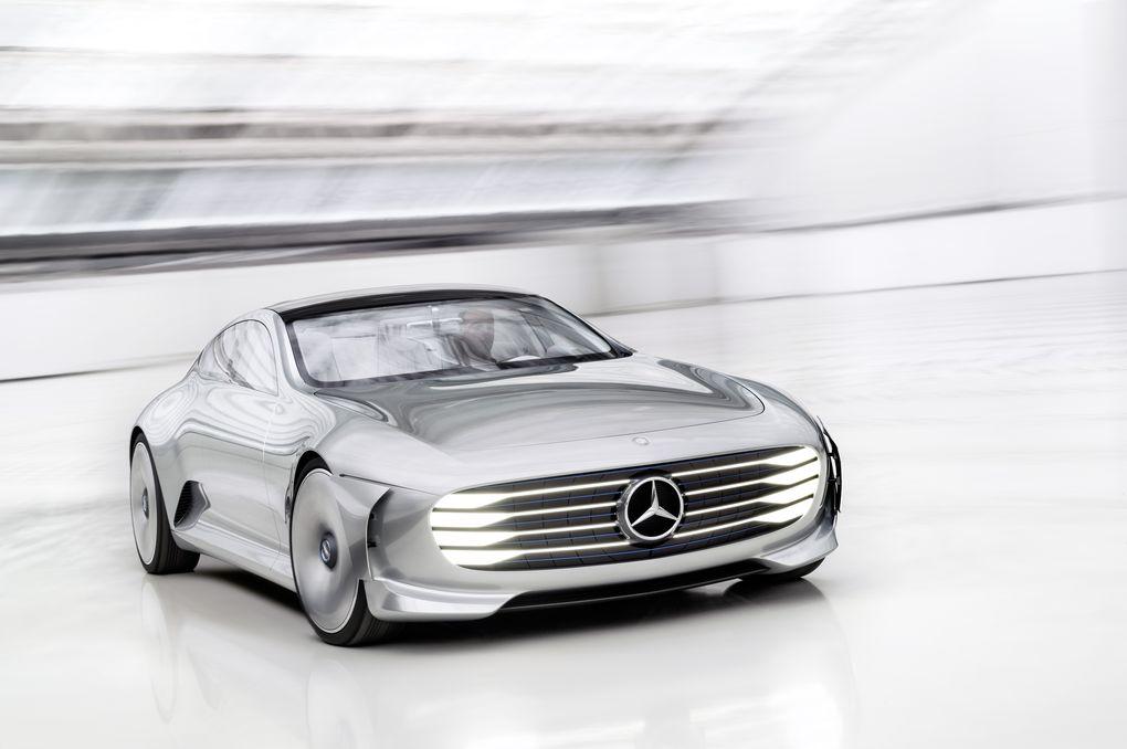 در سرعت های زیر 80 کیلومتر بر ساعت بسیار شبیه به یک ماشین سدان معمولی است (سدان به خودروهایی اطلاق می شود که دارای سقف ثابت، صندوق عقب و دو ردیف صندلی باشند، به اصطلاح سواری معمولی هستند) اما در سرعت های بالای 80 کیلومتر بر ساعت، یک دسته پانل از جلو، عقب و پهلوها به بیرون گسترش می یابند، برای کاهش ضریب درگ (drag) تا 0.19 (برای مقایسه، نسل حاضر کلاس S ضریب درگ 0.23 راداراست).