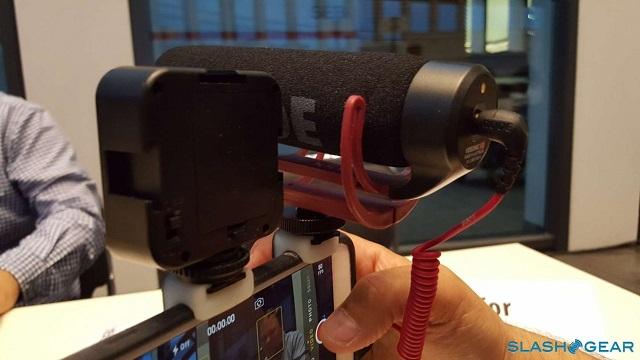 در حالی که اولوکلیپ استودیو به شما امکان ضمیمه کردن دستگاه های ضبط و دیگر لوازم جانبی را می دهد، هنوز هم عکس و فیلم گرفتن توسط خود آیفون و با لنزهای اولوکلیپ انجام می شود. حتی اولوکلیپ به تازگی از یک لنز جدید Macro Pro خبر داد که سطوح بزرگنمایی تا ۲۱ برابر را ارائه می دهد.