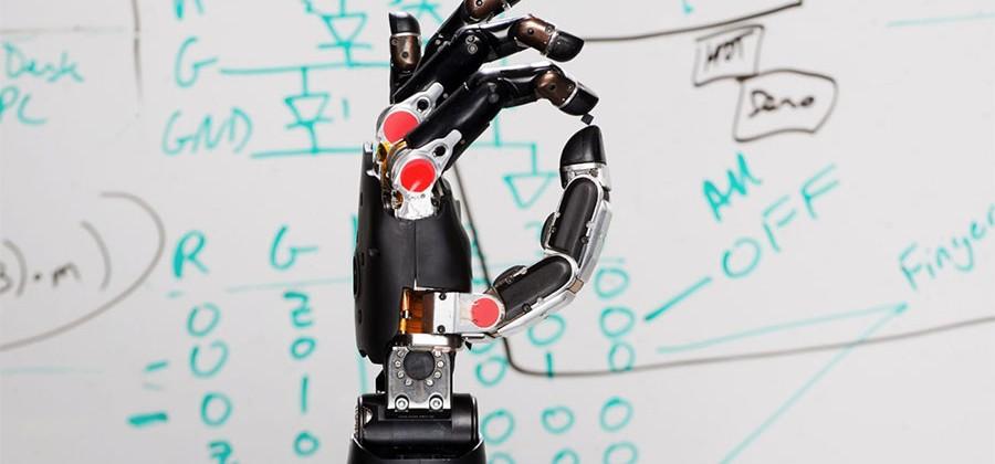 دارپا، از یک دست مصنوعی که می تواند حس کند، رونمایی می کند