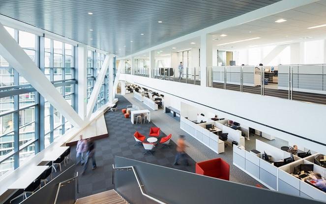 این ساختمان باعث می شود که سامسونگ در کنار غول های بزرگی مثل اپل و فیس بوک که در حال ساخت سازه های عظیم الجثه و به یاد ماندنی در دره سیلیکون هستند (و یا برنامه ای برای آن دارند)، قرار گیرد.