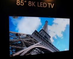 اولین تلویزیون 8K. اما امروز ژاپن از یک نسخه ی ۸۵ اینچی که برای ۳۰ اکتبر به منظور فروش روانه ی بازار می شود، خبر داد.