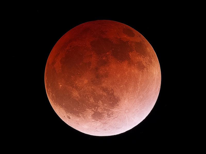 ماه گرفتگی کامل و کم سابقه امشب را از دست ندهید