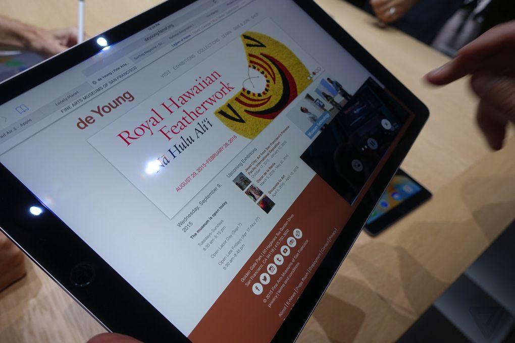 یک برنامه ی جدید ادوبی (Adobe) به نام ادوبی فیکس (Adobe Fix) هم نشان داده شد