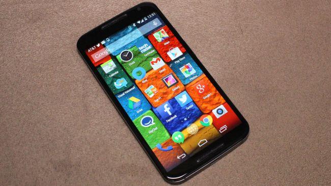 (Moto X (2014 سیستم عامل: اندروید | اندازه صفحه نمایش: 5.2 اینچ | رزولوشن: p1080 | رم: 2 گیگابایت | حافظه داخلی: 16/32/64 گیگابایت | باتری: 2300 میلی آمپر ساعت | دوربین عقب: 13 مگاپیکسل دوگانه | دوربین جلو: 2 مگاپیکسل