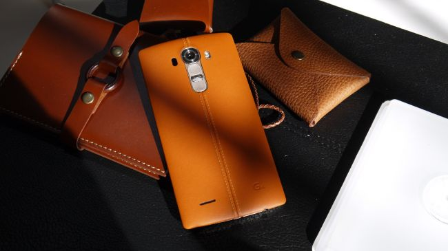 شماره 4: LG G4 چرمی لوکس بر روی گوشی هوشمندی که تلاش می کند همه را راضی کند.