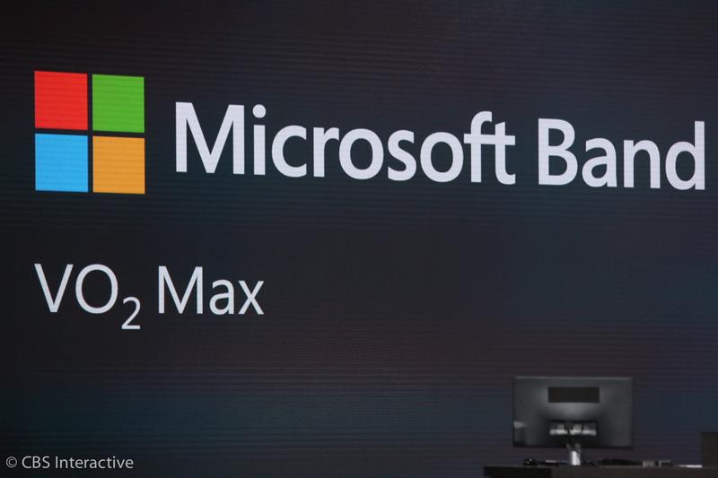 """ساعت 17:57 : مایکروسافت می گوید افرادی که از مایکروسافت بند استفاده می کنند سبک زندگی سالم تری دارند. Lindsey Matese می گوید مایکروسافت بند دسترسی پایدار و بلافاصله ای با """"بیگ دیتا"""" دارد. می توان داده ها را برای بررسی تمرینات انجام گرفته سازمان دهی کرد."""