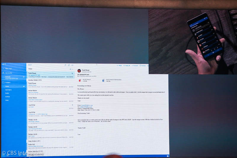 (همان طور که در تصاویر مشاهده می کنید، به نظر می رسد که گوشی، استایل نمایش خاص خود و مانیتور نیز، استایلی شبیه به کامپیوتر های دستکتاپ را داراست، در تصاویر کاملا مشخص است)