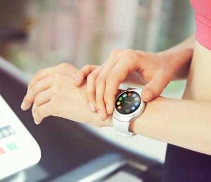 فروش ساعت هوشمند گیر S2 در کانادا