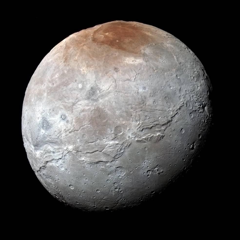 بزرگ ترین قمر پلوتون ، شارون، تاریخچه سخت و ماجراجویانه خود را بازگو می کند