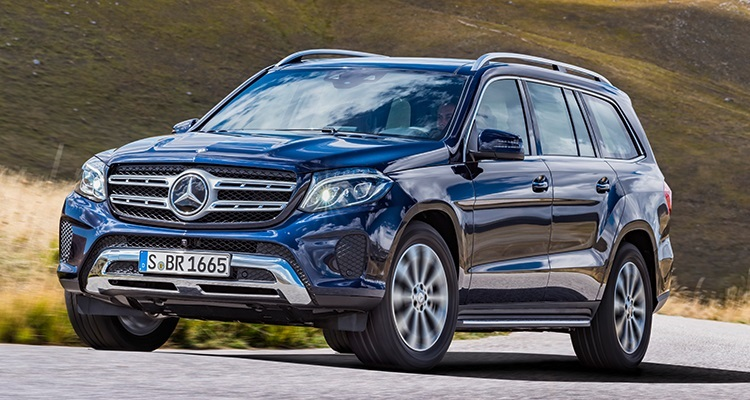 2017 Mercedes-Benz GLS  مرسدس بنز با ارائه مدل GLS یک SUV تمام عیار هفت نفره با طراحی داخلی و بیرونی بسیار عالی معرفی کرده است. یک سیستم تعلیق هوای بروزرسانی شده و یک گیربکس نه دنده اتومات کار انتقال قدرت در این خودرو را بعهده دارد. مرسدس بنز GLS با تکنولوژی های جدید ایمنی شامل کنترل کروز، تشخیص عابر پیاده، هشدار ترافیک و هشدار نقاط کور تجهیز شده است. این خودرو در نمایشگاه اتوموبیل لوس آنجلس خوش درخشید.