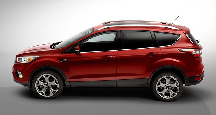 2017 Ford Escape  کمپانی فورد برای رقابت بیشتر، با یک کراس اوور جمع و جور نیز راهی نمایشگاه خودرو در لس آنجلس شده است. مدل فورد اسکیپ (Ford Escape) با تکنولوژی های متعددی از جمله دستیار پارک، هشدار برخورد با ترمز خودکار و کنترل سرعت کروز یک SUV کوچک و امن را برای سرنشینان خود فراهم آورده است.  مدل Escape اولین محصول کارخانه فورد است که ویژگی ارتباطی سینک (SYNC) را دارد - این تکنولوژی یکپارچه کردن سیستم های ارتباطی و سرگرمی است که در کارخانه بر روی محصولات فورد نصب می شود و به کاربر اجازه می دهد بدون دخالت دست تماس های تلفنی، کنترل موسیقی و کار های دیگر را با استفاده از فرمان های صوتی انجام دهد - یک اپلیکیشن در گوشی های هوشمند به مالکان فورد اسکیپ اجازه می دهد خودروی خود را قفل و یا باز کنند، از راه دور موتور ماشین را روشن نمایند و از طریق جی پی اس (GPS) بوسله تلفن همراه خود موقعیت ماشین را بیابند.