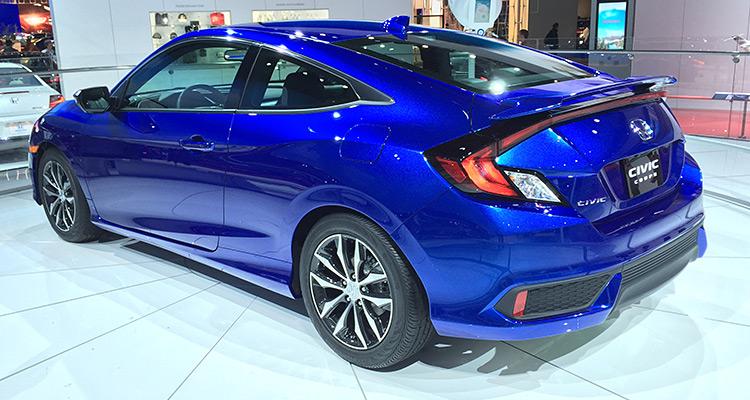 2016 Honda Civic Coupe  هوندا سویک طراحی این کوپه جدید را آغازی برای دهمین نسل خودرهای جدید خود در 2016 می داند. این مدل کوپه سویک اولین انتقال قدرت توربو شارژی خود را با یک موتور تزریق مستقیم 1.5 لیتری از کمپانی هوندا دریافت کرده است و با این موتور نیروی 174 اسب بخار برای خود تولید می کند.