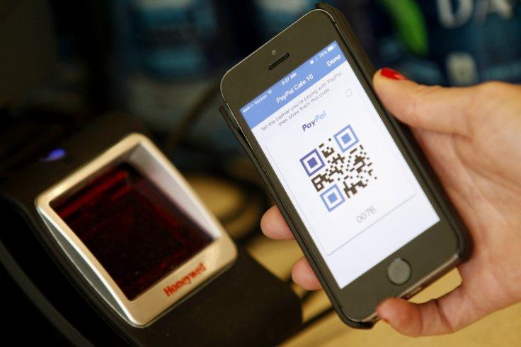اپل با سرویس پرداخت نظیر به نظیر (peer-to-peer) انقلابی در عرصه صنعت بانکداری بوجود می آورد