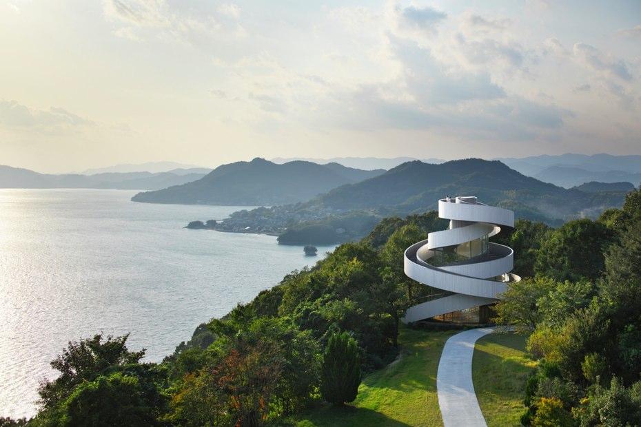 این جوایز سالانه به کسانی تعلق می گیرد که به عنوان طراحی معماری نواورانه در انواع دسته بندی ها به رسمیت شناخته شده اند.