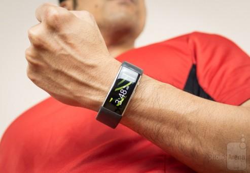 توسط این شارژر، مایکروسافت بند ۲ خود را به ساعت رومیزی تبدیل کنید