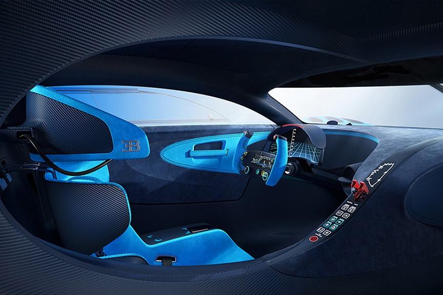 مدل قبلی کایرون، ویرون نیز نام خود را از پییر ویرون (Pierre Veyron) - موفق ترین راننده بوگاتی در مسابقات اتوموبیلرانی بین سالهای 1933 تا 1953 - گرفته بود.