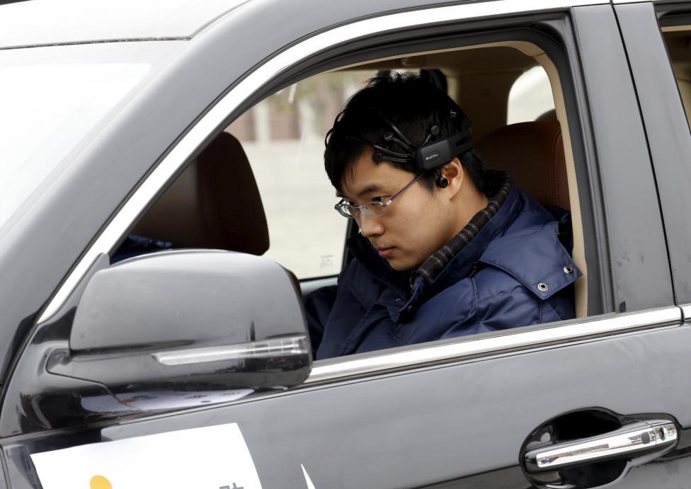 محققان چینی برای اولین بار از خودرویی رونمایی کردند که مستقیما از مغز فرمان می گیرد