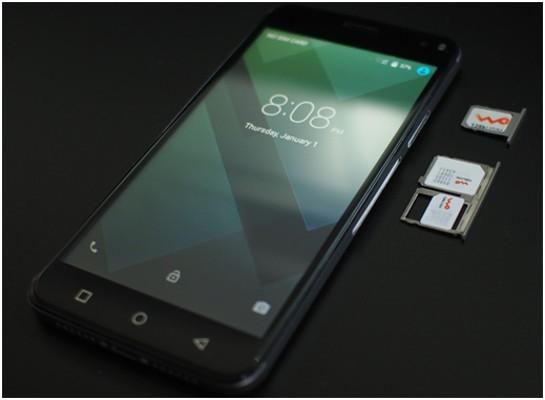 اولین گوشی سه سیمکارته جهان با نمایشگر ۵ اینچی