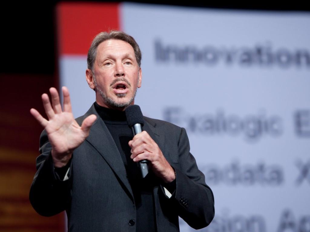 بنیانگذار و مدیر عامل شرکت اوراکل اولین درآمد میلیاردی خود را در سال 1993 در سن 49 سالگی ایجاد کرده است.