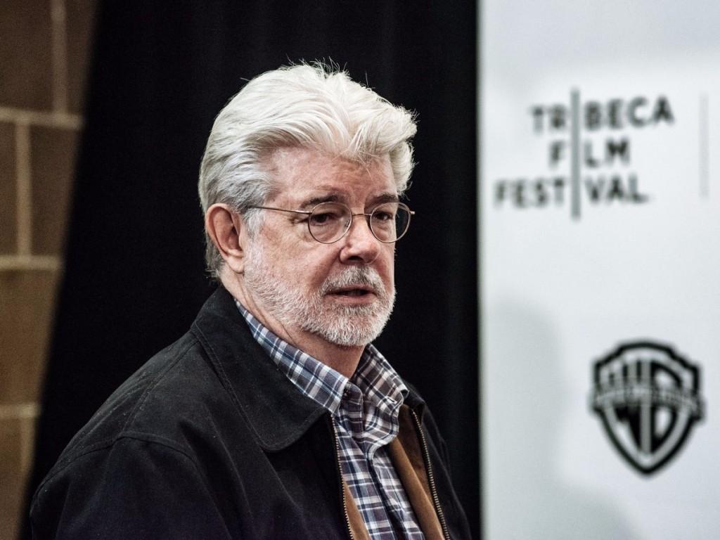 خالق «جنگ ستارگان» و بنیانگذار شرکت تولید لوکاس فیلم اولین درآمد میلیاردی خود را در سال 1996 در سن 52 سالگی دریافت کرده است.