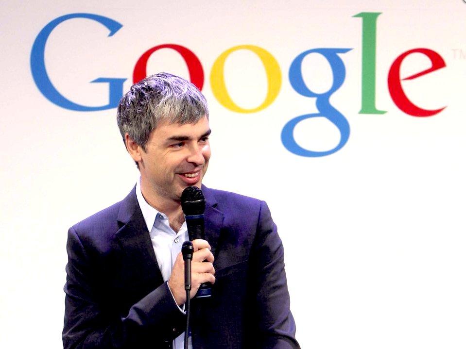 مؤسس گوگل اولین درآمد میلیاردی خود را در سال 2004 در 30 سالگی به دست آورده است، این زمانی است که شرکت IPO ارزش خالص آن را،برای اولین بار، بالای 1 میلیارد دلار اعلام کرد.