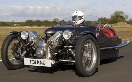 Triking: طراحی بشکه مانند این خودرو نیز درست به مانند پمبلتون است.