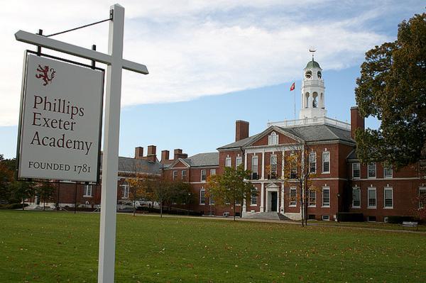 خیلی زود پس از این داستان ها، مارک در آکادمی فیلیپس اکستر، یک مدرسه ی راهنمایی منحصر بفرد در نیوهمپشایر به تحصیل ادامه داد.