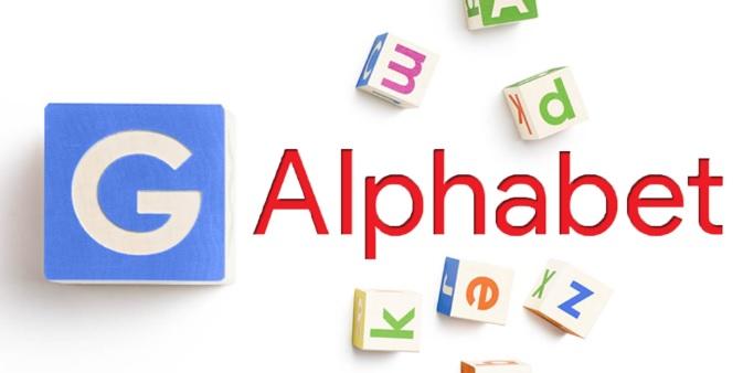 در ۱۰ آگوست سال ۲۰۱۵، پیج در وبلاگ رسمی گوگل اعلام کرد که گوگل به عنوان یک شرکت تابعه از یک هلدینگ که تحت عنوان آلفابت (Alphabet Inc) شناخته شده است، تبدیل خواهد شد