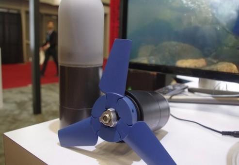 شارژ تلفن همراه به وسیله ی توربین آبی کوچک
