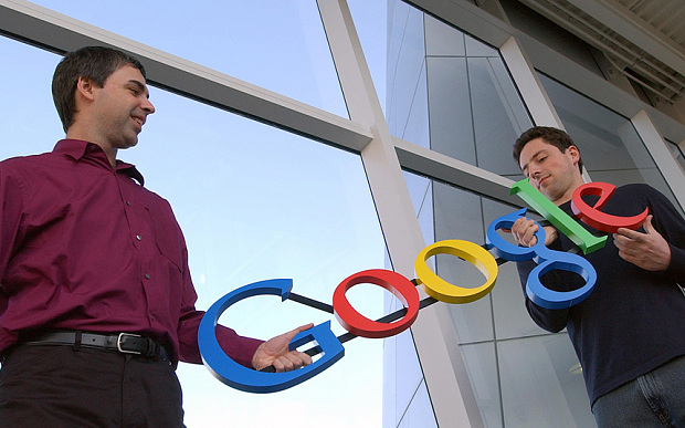 در حالی که اغلب موسسان گوگل را دو مرد جوان به نام لری پیج و سرگئی برین می پندارند ولی واقعیت این است که گوگل توسط لری پیج ایجاد شد و سرگئی برین هم در طول پیشرفت این پروژه به او کمک کرد.