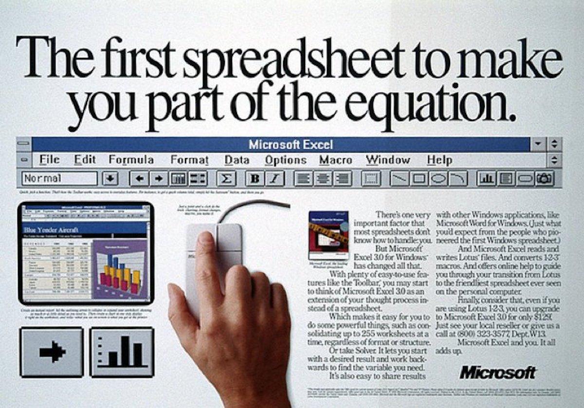 اولین برنامه ی فوق العاده مایکروسافت، مایکروسافت اکسل بود که قهرمانان گسترده ی VisiCalc اپل و لوتوس ۱-۲-۳ را سرنگون کرد. شاید بتوان با قاطعیت گفت که بدون اکسل هیچ کدام از پیشرفت های هم اکنون مایکروسافت امکان پذیر نبود.