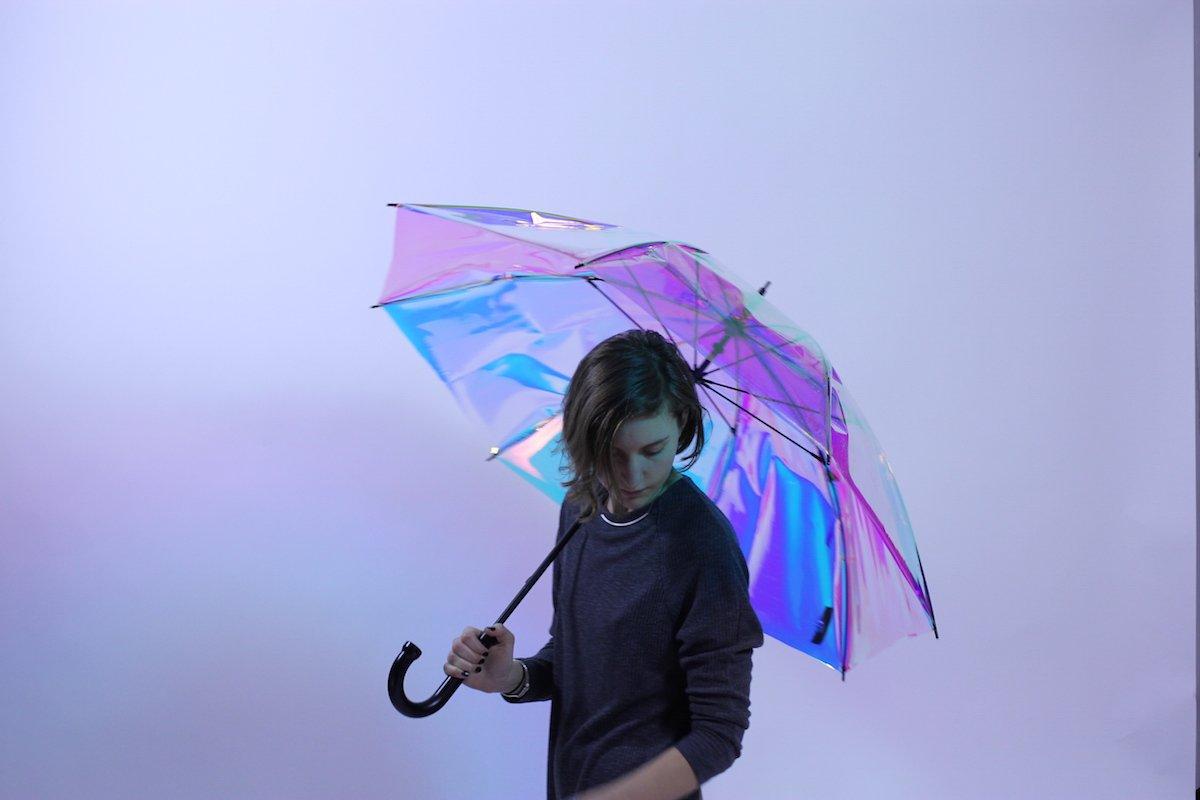 ساخت چتر هوشمند ی که می تواند از وقوع احتمالی بارش خبر  دهد