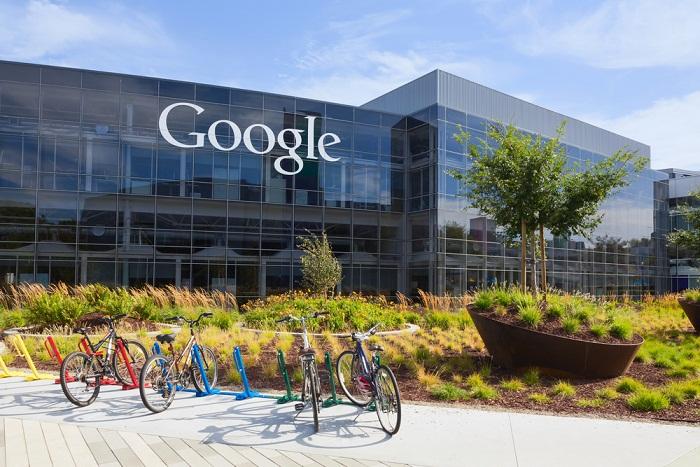 """پیج در یک مصاحبه ای در سال ۲۰۱۴ اظهار داشت که حفاظت از """"دانش عمیق"""" خود از محصولات گوگل و وسعت پروژه های گوگل به عنوان عاملی کلیدی در ایجاد انگیزه برای اعضای تیم، تاکید کرد و آن را در اولویت قرار داد."""