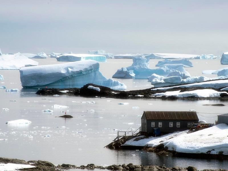 رفع معضل افزایش آب اقیانوس ها با منجمد کردن آب اضافی