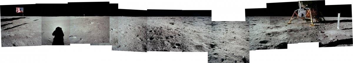 این تصاویر بهم وصل شده که کاوشگر و پرچم آمریکا را نشان می دهد، توسط آلدرین به ثبت رسیده است.