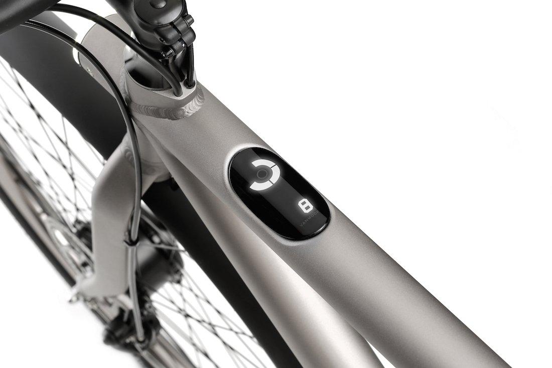 این اپلیکیشن همچنین می تواند موقعیت مکانی دوچرخه را ردیابی کند، این کار به منظور جهت یابی بهتر و دفع سرقت احتمالی انجام می شود.