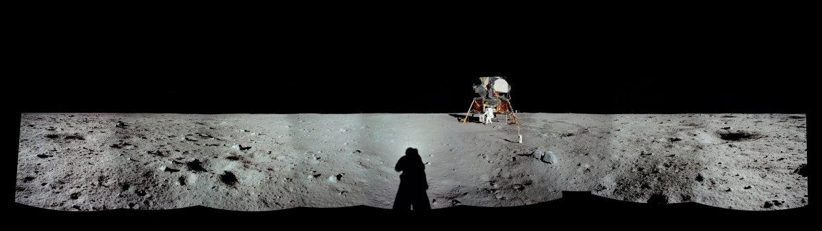 در این تصویر مشاهده می کنید که کاملا از کاوشگر فاصله گرفته اند.