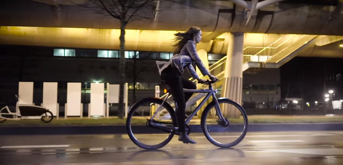 دوچرخه ی الکتریکی وانموف با قابلیت اتصال به اینترنت و تعیین هویت
