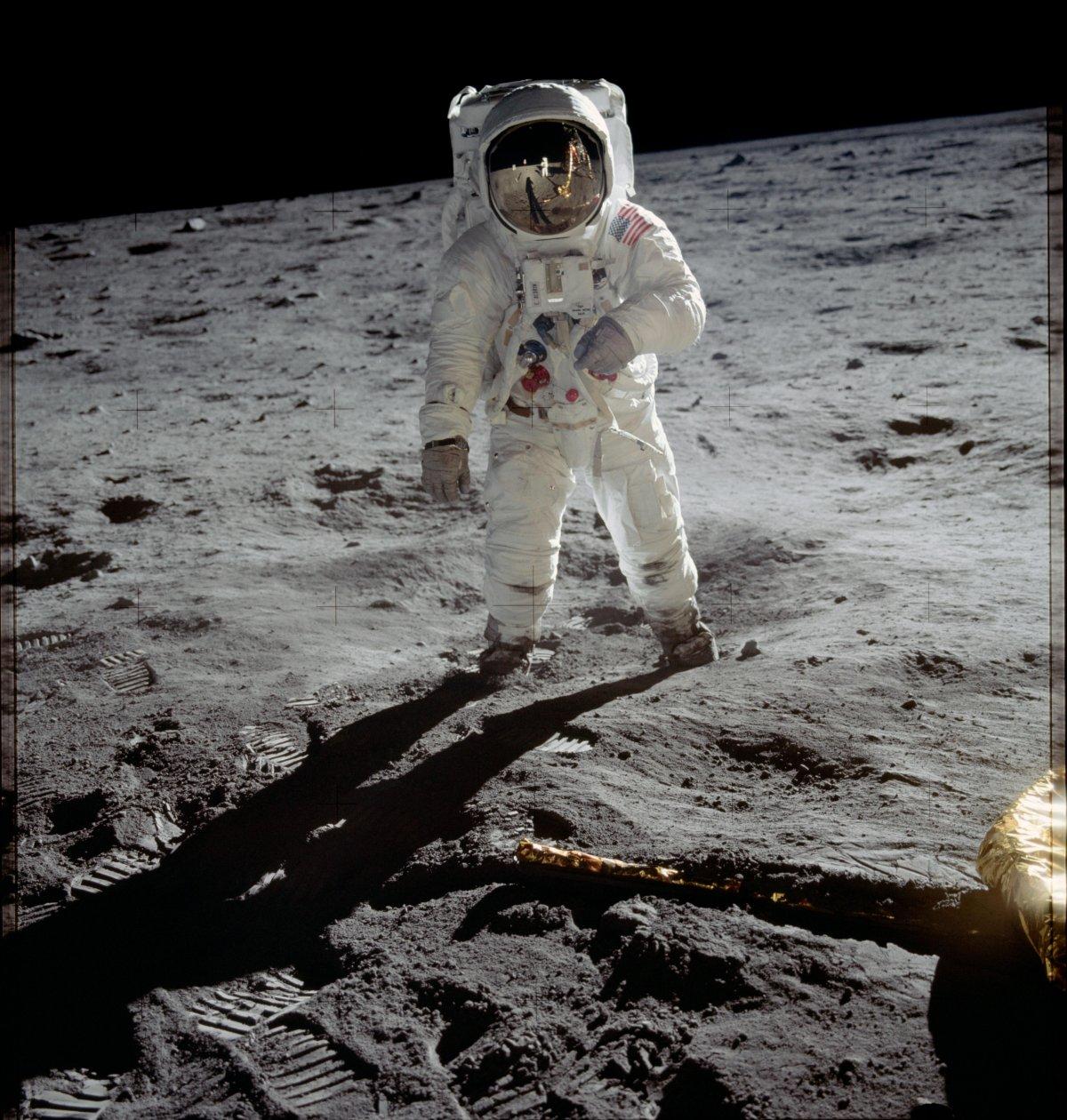 تصاویر بی نظیر از اولین فرود انسان روی ماه